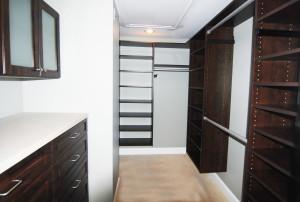 master bedroom walkin in closet